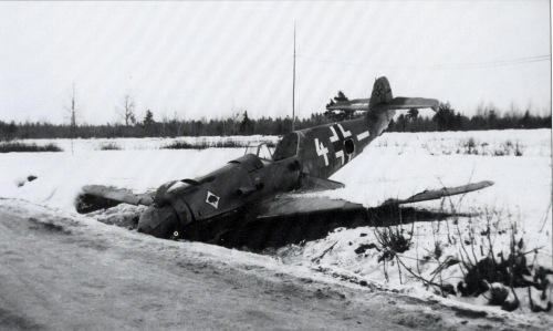 7+Luftwaffe+im+Focus+messerschmitt+bf+109+fritz+dinger+operation+barbarossa+winter+snow+white+belly+landed