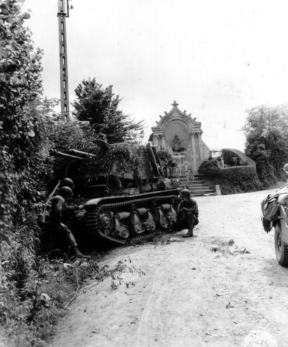 800px-Photo-le-molay-littry-2-1944