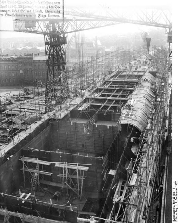 """Flugzeugträger """"A"""". Baustadium Aufgen. am 14.9.1937 Deutsche Werke Kiel"""