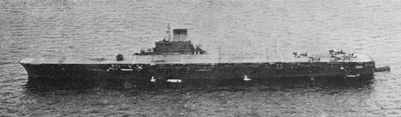 Japanese_aircraft_carrier_Taiho_02