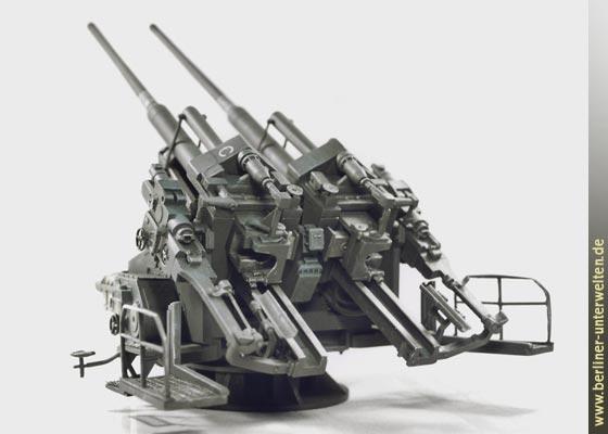 10.5-cm Flak 38 and Flak 39 an...