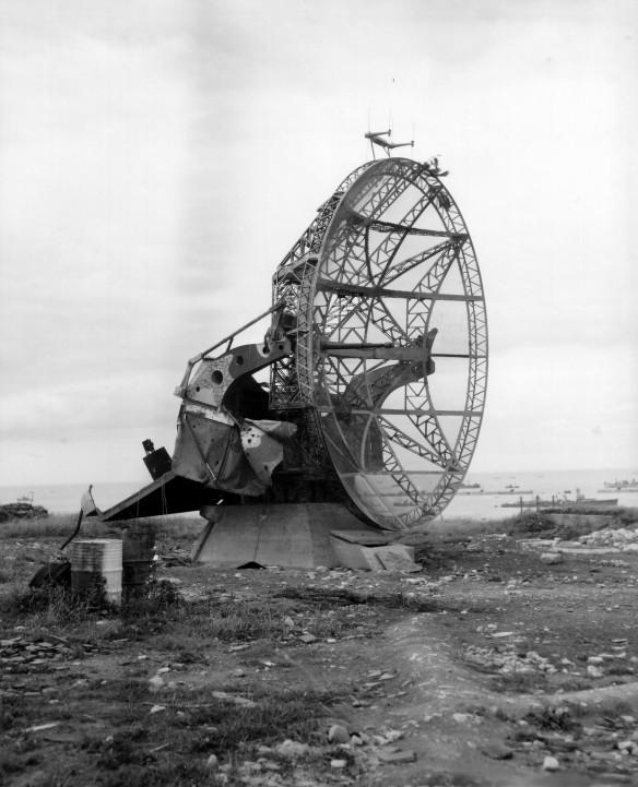 Wuerzburg_radar_at_Normandy_beach