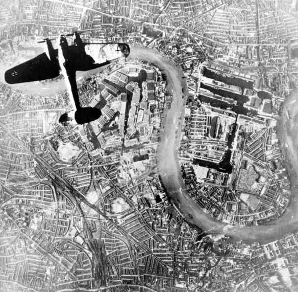 Heinkel-III-over-London
