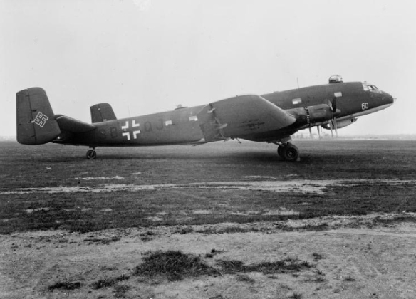 Junkers_Ju_290_A-3_FAGr_5_on_ground