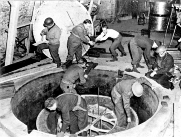 German_Experimental_Pile_-_Haigerloch_-_April_1945-2