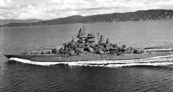 USS_Tennessee_(BB43)_1943