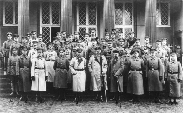 Herren des großen Hauptquartiers nach Verlegung desselben von Spa/Belgien nach Kassel-Wilhelmshöhe Nov. 1918