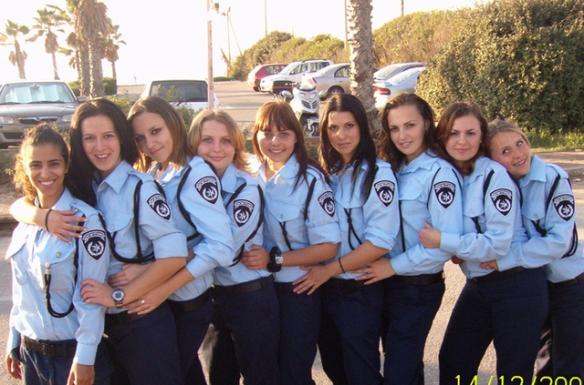 Israeli-soldier-girls-16