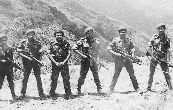 LTTE_leaders_at_Sirumalai_camp