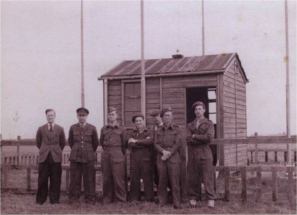 1945_Lydd_HF_DF_Station_-_Louis_Varney_G5RV_second_from_left
