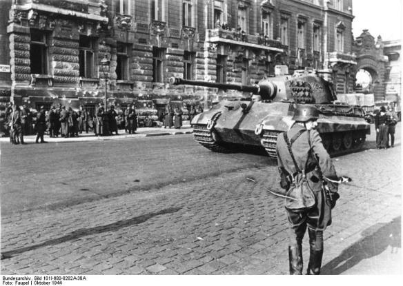 Budapest, Panzer VI (Tiger II, Königstiger)