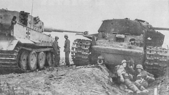 tiger_223_and_kv-1s_tanks