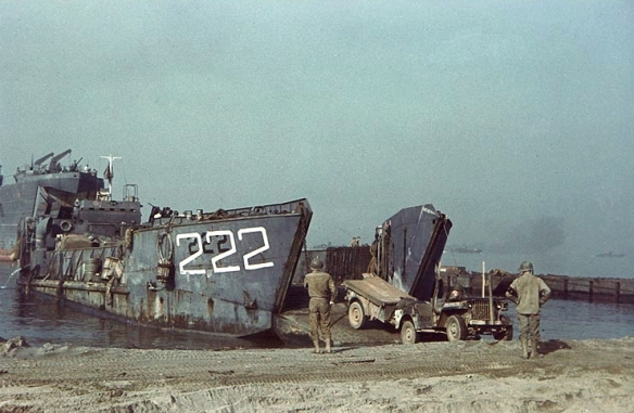 lct-222_on_beach_with_jeep_1943